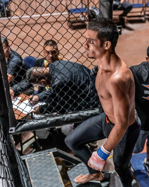x1 54 MMA Hawaii, Akeem Coit
